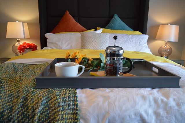 tác na posteli